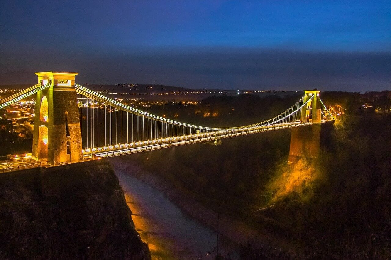 Photograph of Bristol's Clifton Suspension Bridge at night, Bristol Travel Guide
